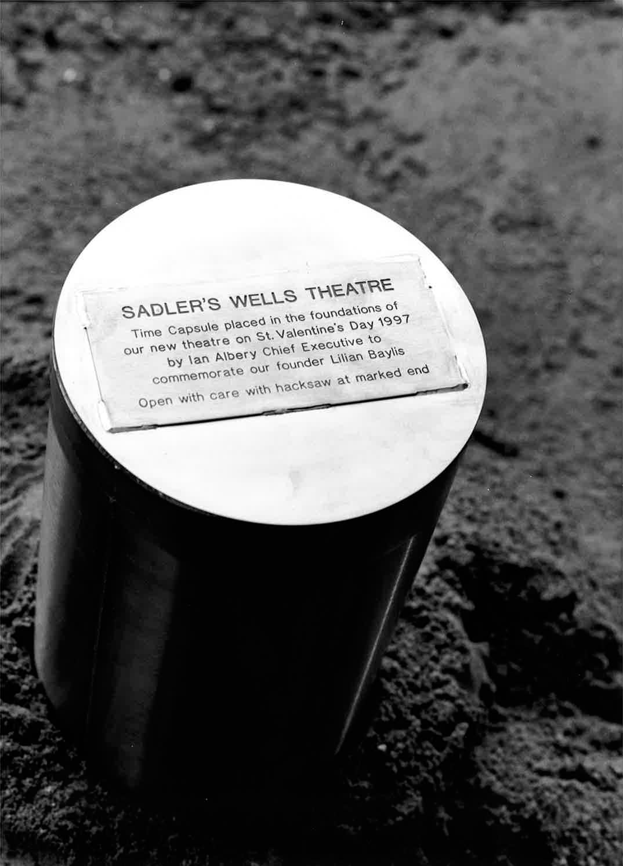 Sinking of a time capsule 0f32802d2fcb